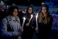 Roma 14 Novembre 2014<br /> Centinaia di persone si sono radunate a Piazza del Popolo in solidariet&agrave; con il popolo francese dopo gli attentati di Parigi dove almeno 130 persone sono state uccise da una serie di attacchi terroristici.<br /> Rome 14 November 2014<br /> Hundreds of people gathered in Piazza del Popolo in solidarity with the French people after the attacks in Paris where at least 130 people were killed by a series of terrorist attacks.