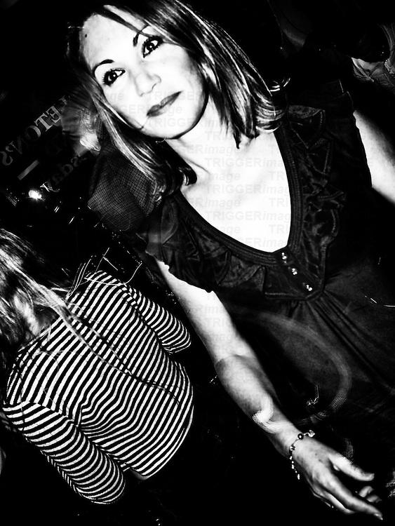 Female in pub