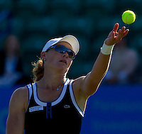Samantha Stosur (AUS) against Melanie Oudin (USA) in the first round of the women's singles. Samantha Stosur beat Melanie Oudin 6-4 6-4..International Tennis - 2010 Sony Ericsson WTA Tour - AEGON International - Devonshire Park Lawn Tennis Centre - Eastbourne - Day 1 - Mon 14 Jun 2010..© FREY - AMN Images - Level 1, 20-22 Barry House, 20-22 Worple Road, London, SW19 4DH.Tel - +44 (0) 208 947 0100.Email - mfrey@advantagemediannet.com.web - www.advantagemedianet.com