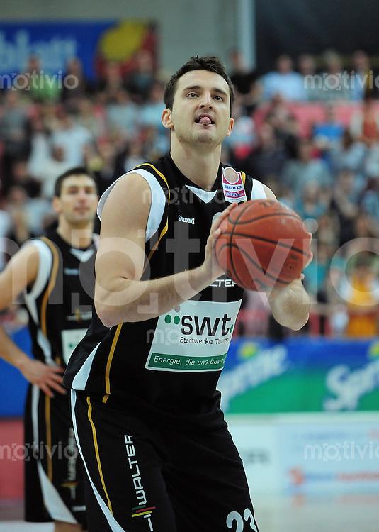 Basketball   1. Bundesliga 2009/2010  22.04.2010 Walter Tigers Tuebingen -   Telekom Baskets Bonn Andreas Kronhardt (Tigers)