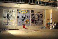 NO al Casinò.I residenti di San Lorenzo e Action occupano l'ex cinema-teatro Palazzo contrari al casinò e favorevoli ad una destinazione per attività culturali e ricreative. La sala teatro di piazza dei Sanniti fu costruita nei primi del '900, Petrolini  e Totò tra i grandi che calcarono il palcoscenico. Una società lo sta trasformando in un casinò con slot machine e giochi virtuali. Roma,quartiere San Lorenzo.Aprile 2011.....