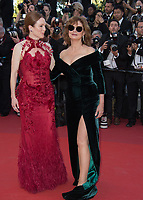 Julianne Moore &amp; Susan Sarandon at the premiere for &quot;Ismael's Ghosts&quot; at the opening ceremony of the 70th Festival de Cannes, Cannes, France. 17 May 2017<br /> Picture: Paul Smith/Featureflash/SilverHub 0208 004 5359 sales@silverhubmedia.com