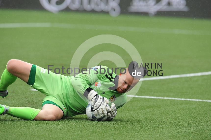 VOETBAL: LEEUWARDEN: 16-08-2015, SC Cambuur - Feyenoord, uitslag 0-2, Keeper Leonard Nienhuis (#22), ©foto Martin de Jong