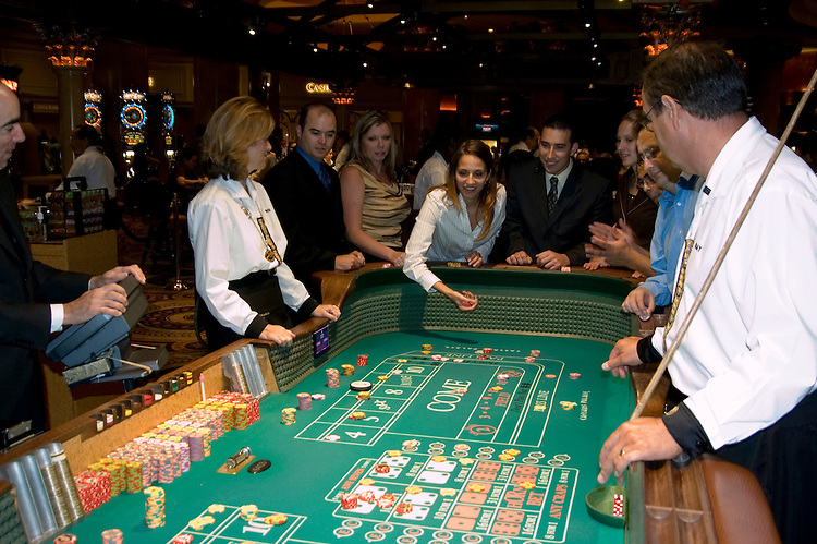 cheapest gambling tables in las vegas