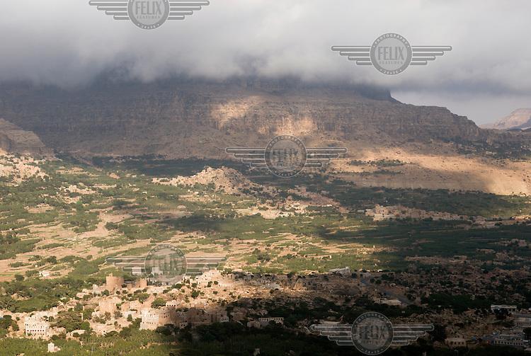 Mountains around Al-Mahweet.