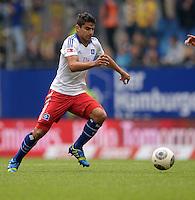FUSSBALL   1. BUNDESLIGA   SAISON 2013/2014   4. SPIELTAG Hamburger SV - Eintracht Braunschweig                  31.08.2013 Tomas Rincon (Hamburger SV) am Ball