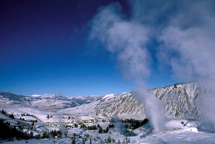 WY: Wyoming; Yellowstone National Park, Mammoth Hot Springs          .Photo Copyright Lee Foster, lee@fostertravel.com, www.fostertravel.com, (510) 549-2202.Image: wyyell208