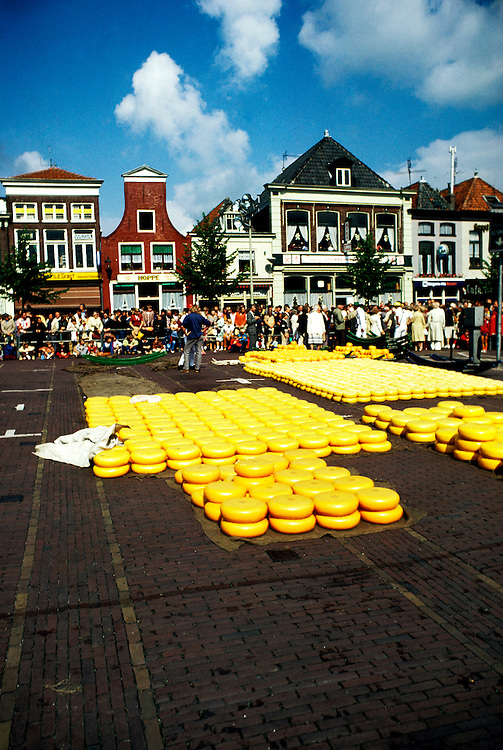 Netherlands: Cheese Market, Alkmaar.  Photo: duches101.Photo copyright Lee Foster, 510/549-2202, lee@fostertravel.com, www.fostertravel.com