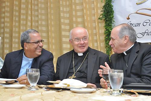 Padre Benito Angeles, Joséf Wesolowski y el cardenal Nicolás López Rodríguez