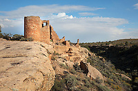 West wall of Hovenweep Castle, Square Tower group, built 1150-1350, Little Ruin Canyon, Hovenweep National Monument, Colorado, USA. The Square Tower group housed up to 500 people and includes towers, residential areas, kivas and storage rooms. This area has been settled by Native Americans from 6000 BC until the 14th century AD and currently houses the ruins of 6 Anasazi Puebloan villages from the 13th century. Picture by Manuel Cohen