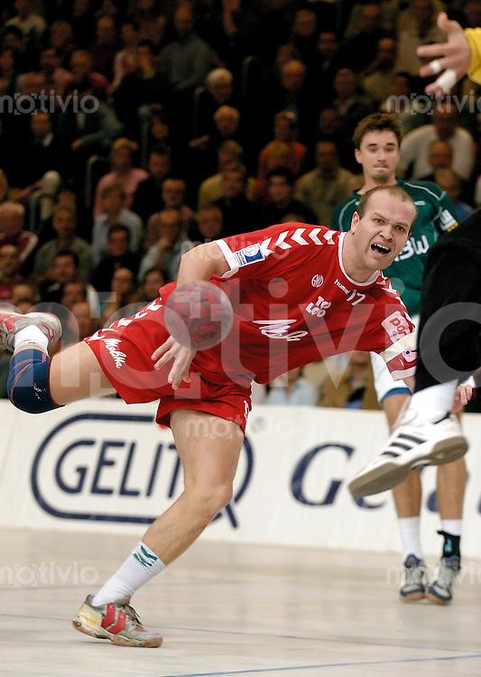 Handball Herren, 1.Bundesliga 2004/2005, Goeppingen (Germany) FrischAuf! Goeppingen - TSV GWD Minden (27:23) Patrekur Johannesson (Minden) wirft
