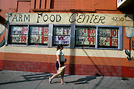 Detroit. U.S.A, September, 1980. America severely marked by the recession. The first to be affected are workers on the bread line and elderly persons without means. Grocery stores post the lowest possible prices. This one announces that it will accept payment in food stamps.