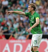 FUSSBALL   1. BUNDESLIGA   SAISON 2011/2012   TESTSPIEL SV Werder Bremen - FC Everton                 02.08.2011 Per MERTESACKER (Bremen)