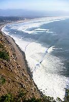 WAVES BREAKING ON OREGON COASTLINE