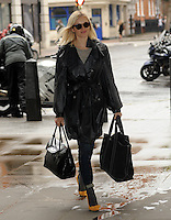 AUG 15 Fearne Cotton arriving at BBC Radio 1