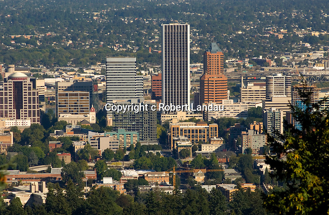 View of downtown Portland, OR from the Pittock Mansion