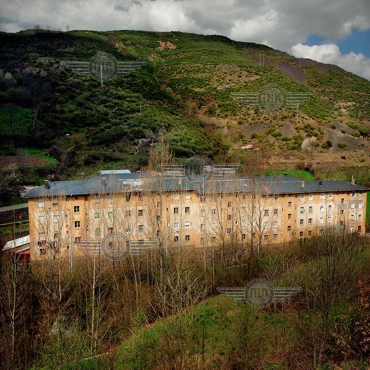 Miners' housing in Tremor de Arriba.