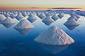 Bolivia, Altiplano, Salar de Uyuni; Salar de Uyuni is the world's largest salt flat