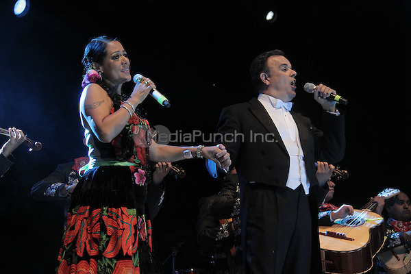 "Lila Downs and Fernando de la Mora perform during the ""Mexicanos Cantan"" concert at Alonzo Vidal Plaza during Pitic 2012 in Hermosillo. Sonora Mexico. May 28, 2012.  Credit: Baldemar de los Llanos/NortePhoto/MediaPunch Inc. ***NO MEXICO*** ***NO SPAIN***"