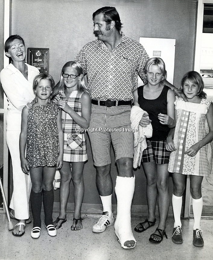 Oakland Raider lineman Ben Davidsson with his wife and girls while recouping from leg injury.(1972 photo bt Ron Riesterer)