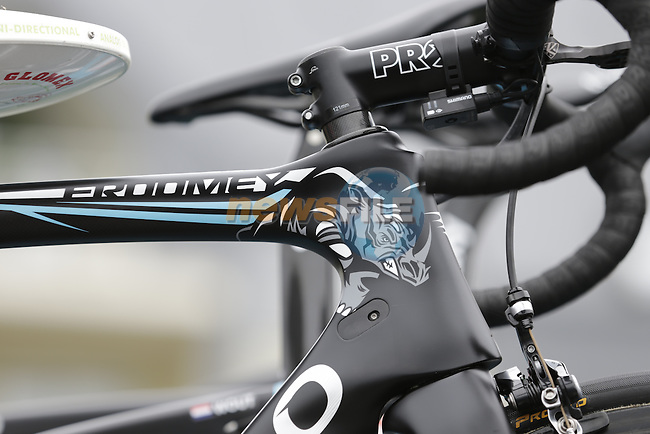 Chris Froome's (GBR) Team Sky Pinarello Dogma F8 race bike atop the team car before the start of Stage 3 of the 2016 Tour de France, running 223.5km from Granville to Angers, France . 4th July 2016.<br /> Picture: Eoin Clarke | Newsfile<br /> <br /> <br /> All photos usage must carry mandatory copyright credit (&copy; Newsfile | Eoin Clarke)