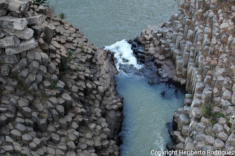 Natural basaltic prisms in the town of Santa Maria Regla in northern Hidalgo state, January 21, 2009. Photo by Heriberto Rodriguez
