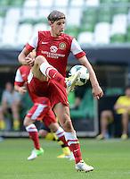 FUSSBALL   DFB POKAL   SAISON 2012/2013   1. Hauptrunde FC Oberneuland - Borussia Dortmund            18.08.2012 Nils Laabs (FCO) Einzelaktion am Ball
