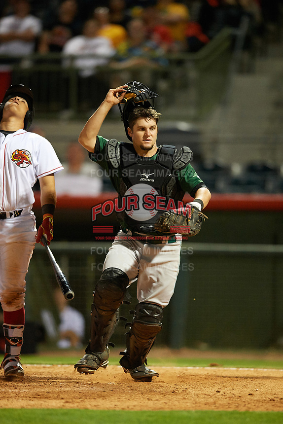 Daytona Tortugas catcher Chris Okey (25) gets in position to attempt to catch a foul ball popup during a game against the Florida Fire Frogs on April 6, 2017 at Osceola County Stadium in Kissimmee, Florida.  Daytona defeated Florida 3-1.  (Mike Janes/Four Seam Images)
