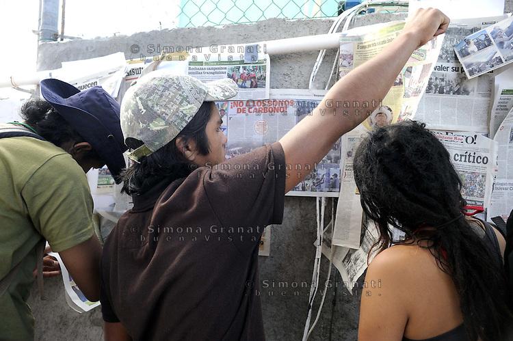 Messico,Cancun 8  Dicembre 2010.Forum alternativo per la Vita  e la giustizia ambientale e sociale.Mexico, CancunForum of  Via Campesina against COP 16 in Cancun