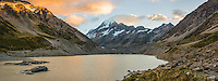 Sunrise over Aoraki, Mount Cook and Hooker Lake, Aoraki, Mt. Cook National Park, Mackenzie Country, Canterbury, UNESCO World Heritage Area, New Zealand, NZ