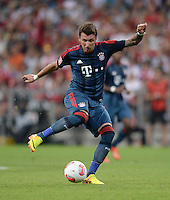 Fussball  International   Audi Cup 2013  Saison 2013/2014   31.07.2013 FC Bayern Muenchen - Sao Paulo FC  Mario Mandzukic (FC Bayern Muenchen) am Ball