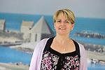 Reportage au Centre Hospitalier Public du Cotentin &agrave; Cherbourg pour son accueil de personnes handicap&eacute;es en apprentissage &agrave; l'occasion de la remise du 19&egrave;me Troph&eacute;e Innovation Handicap de la MNH.<br /> Val&eacute;rie Dupont, la coordinatrice Handicap du CHPC.