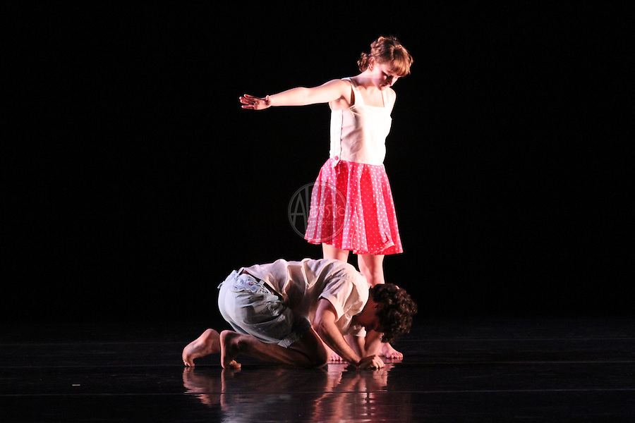 Quark Contemporary Dance Theatre performing David Lorence Schleiffers' The Kids' Table at Chop Shop 2010: Bodies of Work.