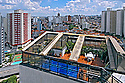 Pr&eacute;dios de apartamentos no bairro Perdizes. S&atilde;o Paulo. 2008. Foto de Juca Martins.
