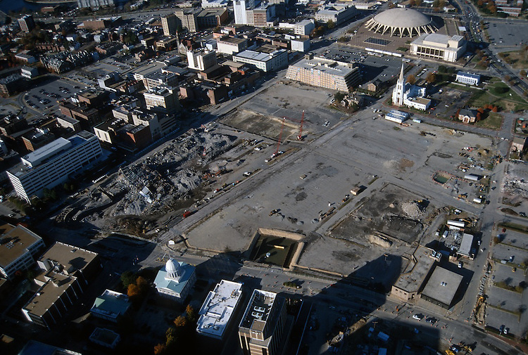 1996 November 29..Redevelopment..Macarthur Center.Downtown North (R-8)..LOOKING NORTH...NEG#.NRHA#..