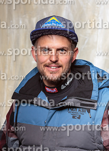 08.10.2016, Olympia Eisstadion, Innsbruck, AUT, OeSV Einkleidung Winterkollektion, Portraits 2016, im Bild Rene Eckhart, Behindertensport, Herren // during the Outfitting of the Ski Austria Winter Collection and official Portrait Photoshooting at the Olympia Eisstadion in Innsbruck, Austria on 2016/10/08. EXPA Pictures © 2016, PhotoCredit: EXPA/ JFK