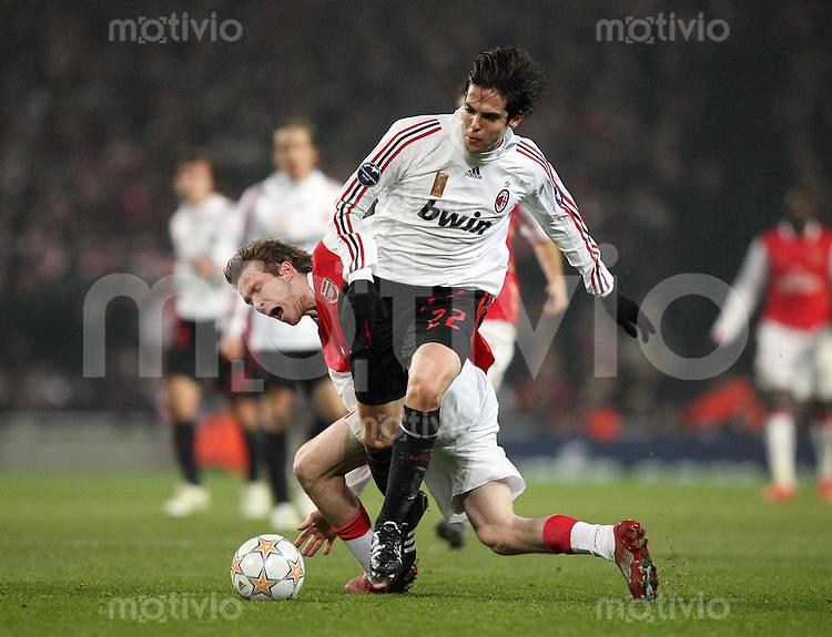 Fussball   International    Champions League   Saison 2007/2008    20.02.2008 FC Arsenal London  -  AC Mailand Kaka (re,Mailand) gegen Alekandr Hleb (Arsenal)