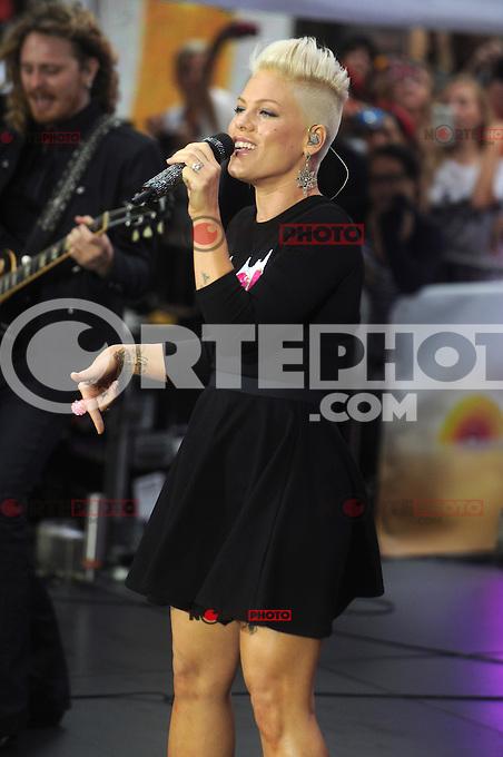 NEW YORK, NY - SEPTEMBER 18: Pink Performs on NBC's Today Show at Rockefeller Center in New York City.  September 18, 2012. &copy;&nbsp;mpi01/MediaPunch Inc. /NortePhoto.com<br /> **SOLO**VENTA**EN**MEXICO**<br /> <br /> <br /> **CREDITO*OBLIGATORIO** *No*Venta*A*Terceros*<br /> *No*Sale*So*third*...