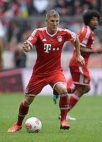 Fussball 1. Bundesliga   Saison  2012/2013   34. Spieltag   FC Bayern Muenchen  - FC Augsburg     10.05.2013 Bastian Schweinsteiger (FC Bayern Muenchen)  am Ball