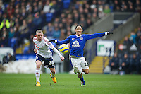 BOLTON, ENGLAND - Saturday, January 26, 2013: Everton's Steven Pienaar in action against Bolton Wanderers' Jay Spearing during the FA Cup 4th Round match at the Reebok Stadium. (Pic by David Rawcliffe/Propaganda)