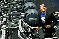 "A Runner disguised as Barack Obama take part during the ""Run up to the Election"" at New York Sport Club Gym in New York, United States. 08/10/2012. The second 2012 Presidential debate at Hofstra University will take place on Thursday night. Photo by Kena Betancur / VIEWpress."
