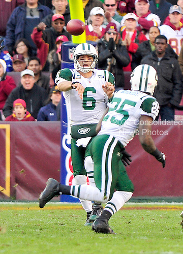 New York Jets quarter back Mark Sanchez (6) throws for running back Joe McKnight in third quarter action against the Washington Redskins at FedEx Field in Landover, Maryland on Sunday, December 4, 2011.  The Jets won the game 34 - 19..Credit: Ron Sachs / CNP.(RESTRICTION: NO New York or New Jersey Newspapers or newspapers within a 75 mile radius of New York City)