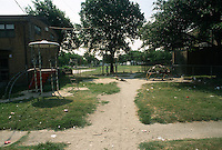 1993 June 21..Assisted Housing.Calvert Square..BEFORE RENOVATIONS.ROLL 6-1.BETWEEN EAST OLNEY & BAGNALL ROAD LOOKING NORTH...NEG#.NRHA#..
