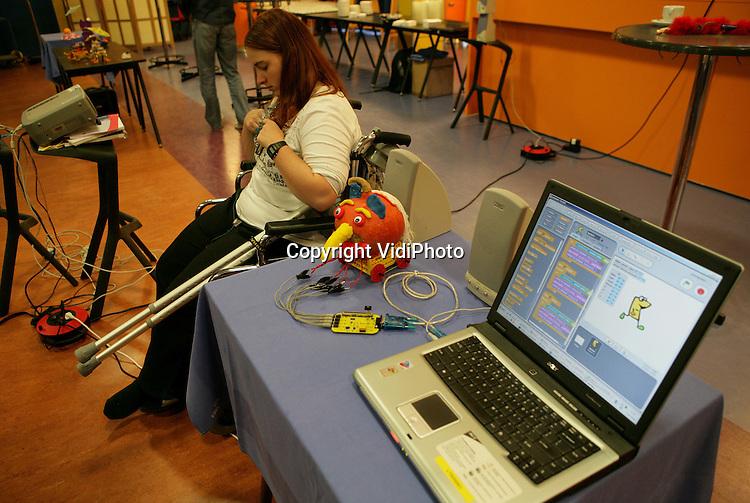 Foto: VidiPhoto..ARNHEM - Workshop techniek en X-Pollinate aan de Hogeschool Arnhem Nijmegen (HAN) in Arnhem.