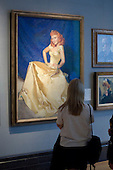 Looking at McClelland Barclay's portrait of Dame Anna Neagle, State Secondary school visit to the National Portrait Gallery, London.