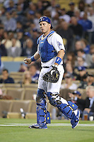 05/26/15 Los Angeles, CA: Los Angeles Dodgers catcher A.J. Ellis #17 during an MLB game played at Dodger Stadium between the Los Angeles Dodgers and the Atlanta Braves. The Dodgers defeated the Braves 8-0.