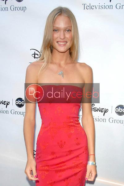 Erin Axtell<br />at the 2009 Disney-ABC Television Group Summer Press Tour. Langham Resort, Pasadena, CA. 08-08-09<br />Dave Edwards/DailyCeleb.com 818-249-4998