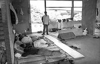 ROMA EX PANTANELLA GIUGNO 1990..OCCUPAZIONE DI UN EX PASTIFICIO DA PARTE DI IMMIGRATI PAKISTANI..NELLA FOTO:PRIMI DORMITORI ..FOTO STEFANO MONTESI