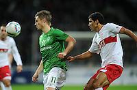 FUSSBALL   1. BUNDESLIGA   SAISON 2011/2012    14. SPIELTAG SV Werder Bremen - VfB Stuttgart       27.11.2011 Markus ROSENBERG (li, Bremen) gegen MAZA (re, Stuttgart)