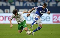 FUSSBALL   1. BUNDESLIGA   SAISON 2013/2014   12. SPIELTAG FC Schalke 04 - SV Werder Bremen                           09.11.2013 Santiago Garcia (li, SV Werder Bremen) gegen Kevin-Prince Boateng (re, FC Schalke 04)
